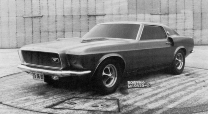 Mustang2seater_04_1200-700x383